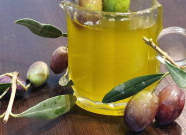 Excellent Virgin Olive Oil of Thassos